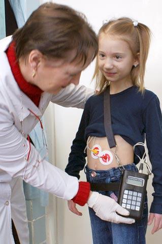 """Установка электрогастроэнтерогрфа """"Гастроскан-ГЭМ"""" маленькому пациенту"""