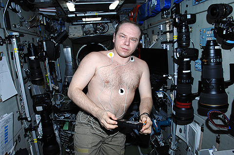 Cosmonaut Oleg Kotov. The experiment on research of a functional condition of digestive system Sp;anh. Photo by IBMP.